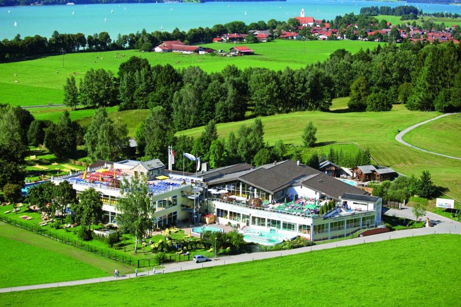 Vue aérienne des Kristall-Therme de Schwangau