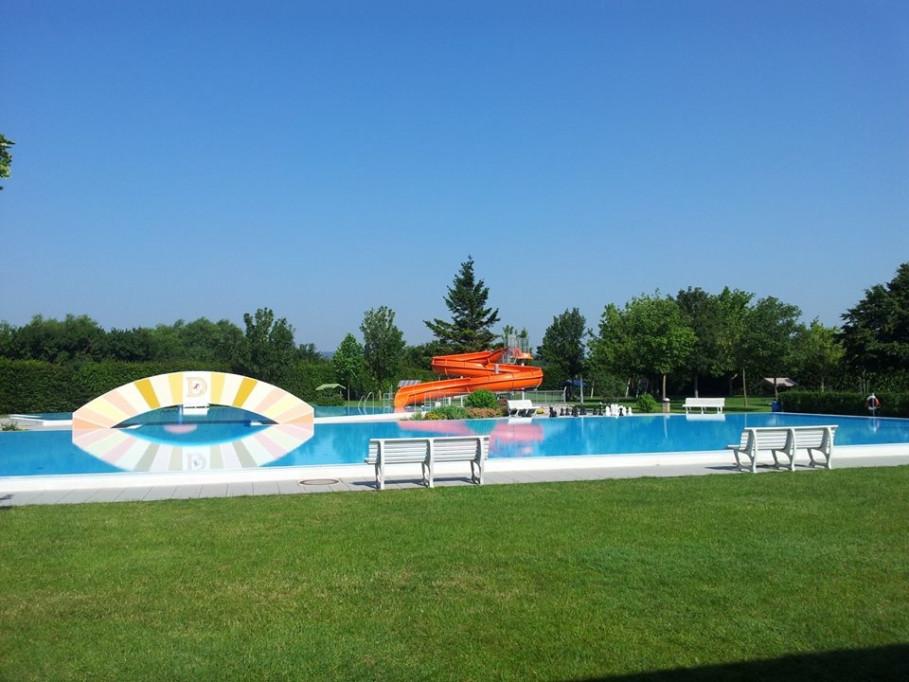 Adventure Swimming Pool Deutschkreutz - diving, swimming, splashing around