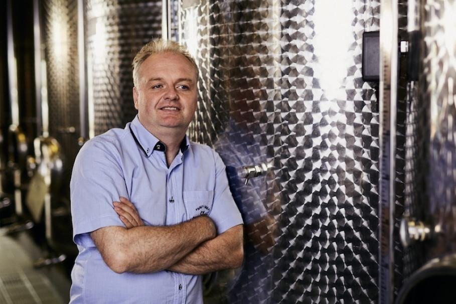 Gregor Zimmermann, du domaine Königswingert, utilise avec succès la vivification d'eau GRANDER® depuis des années. L'eau et le vin : une bonne symbiose...