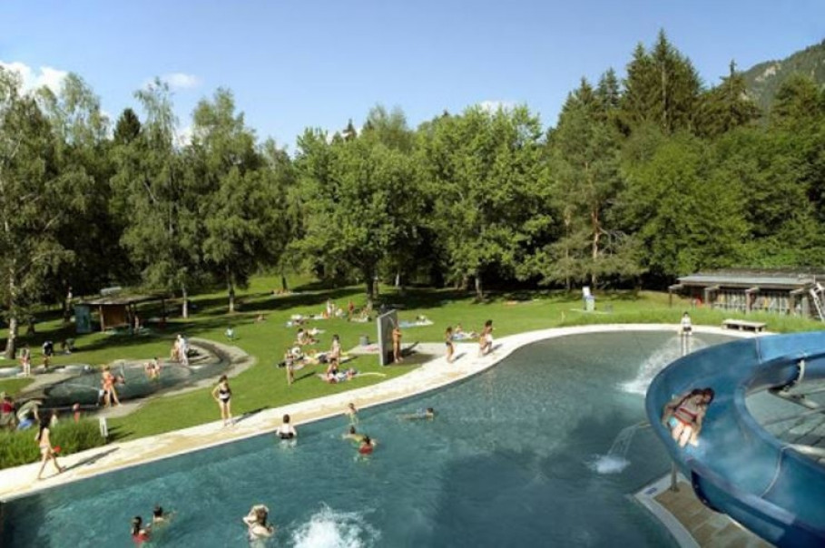 Piscine Fontanivas : la seule piscine en plein air dans le district de Surselva !
